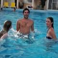 【水着ハプニングエロ画像】やっぱり水着はハプニングの元ですよ