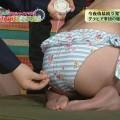 【お尻キャプ画像】テレビで水着が食い込み尻肉はみ出まくりなエロいお尻ww