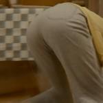 【小松菜奈キャプ画像】雑巾がけしている姿で美尻フェチを覚醒させる小松菜奈www