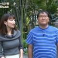 【佐藤美希キャプ画像】ニット・セーターで取材する佐藤美希のおっぱいに目がいってしまうwww