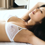 【壇蜜グラビア画像】先月結婚した漫画家の旦那の前でこんなエロい裸体をくねらせてセックスしてるのかなぁ〜w