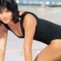 【石田ゆり子お宝画像】芸歴30年の大ベテラン女優が昔披露していたちょっとエッチな水着姿