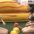 【オッパイGIF画像】テレビではしゃぎすぎて激しく暴れまくるオッパイがけしからんwww
