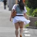 【ハプニングパンチラ画像】突然の突風により思いっきりスカートめくれちゃった素人さんww