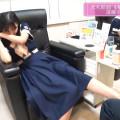 【遠藤さくらお宝画像】足つぼマッサージで悶ちゃってる乃木坂アイドルw